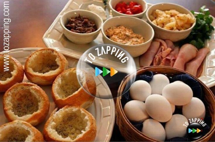 Bollos de pan rellenos con huevo y verduras