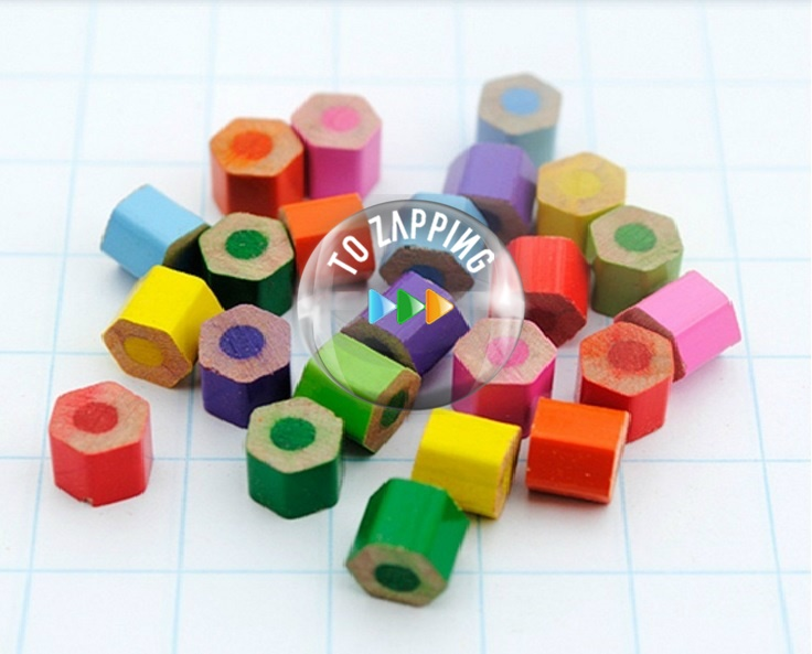 Colgantes con lápices de colores