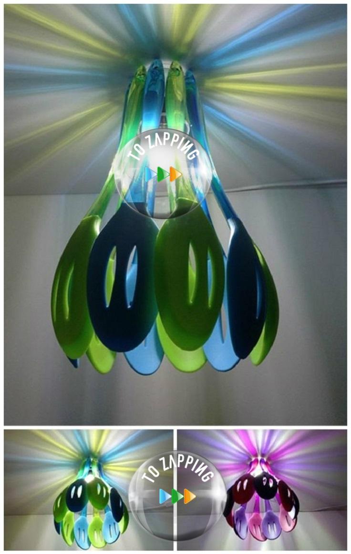 Lámpara con espátulas de colores