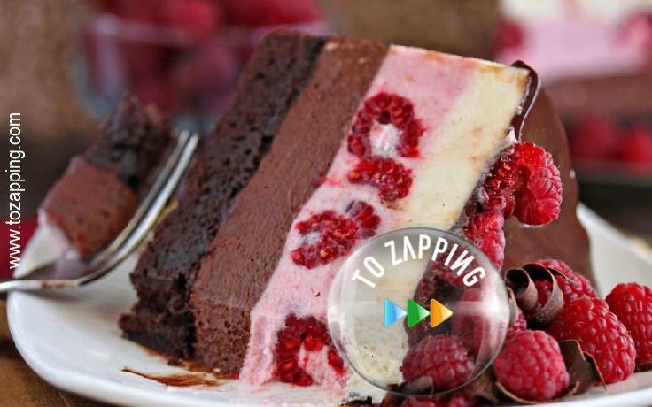 Delicioso pastel de chocolate con frambuesas